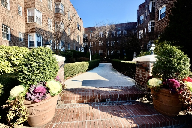 2 Bedrooms, Bay Ridge Rental in NYC for $2,350 - Photo 2