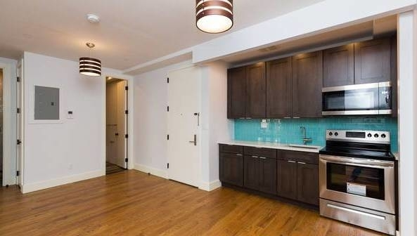 3 Bedrooms, Bedford-Stuyvesant Rental in NYC for $2,635 - Photo 2