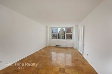 1 Bedroom, Rose Hill Rental in NYC for $3,450 - Photo 2