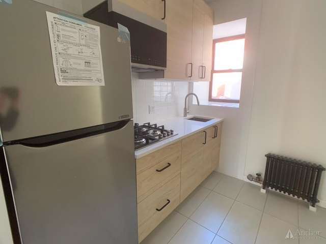 3 Bedrooms, Two Bridges Rental in NYC for $5,000 - Photo 2