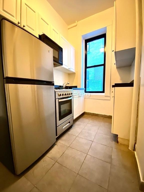 1 Bedroom, Upper East Side Rental in NYC for $2,287 - Photo 1