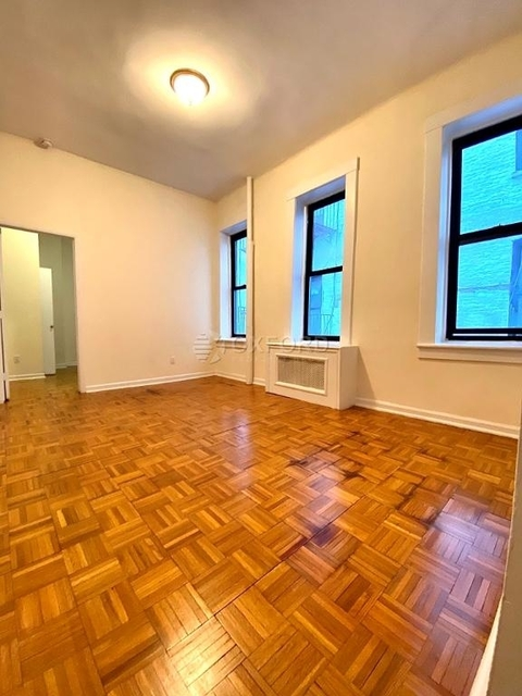 1 Bedroom, Upper East Side Rental in NYC for $2,287 - Photo 2