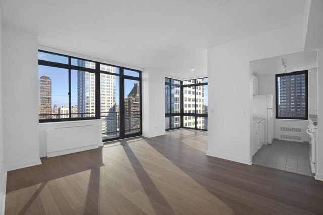 2 Bedrooms, Lincoln Square Rental in NYC for $5,895 - Photo 1