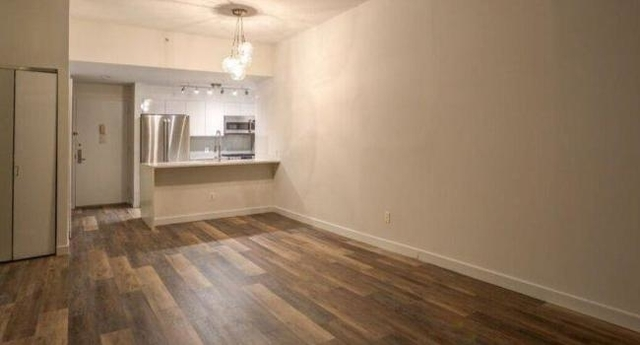 2 Bedrooms, Tribeca Rental in NYC for $5,815 - Photo 2