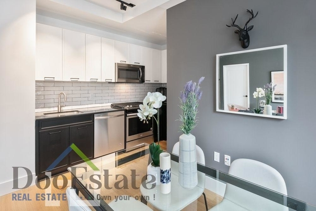 Studio, Financial District Rental in NYC for $2,749 - Photo 2