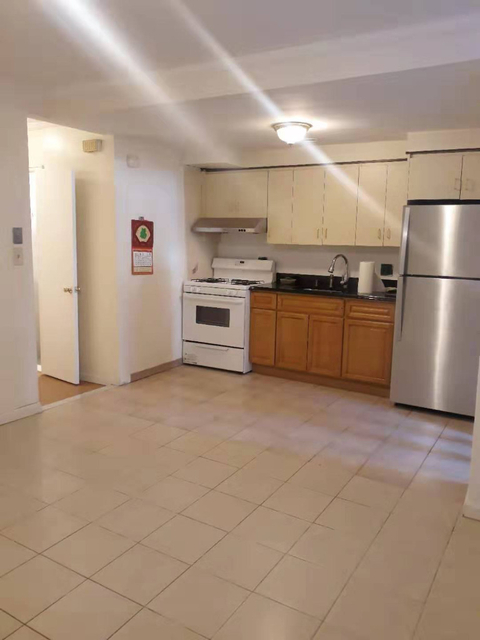 2 Bedrooms, Gravesend Rental in NYC for $1,600 - Photo 1