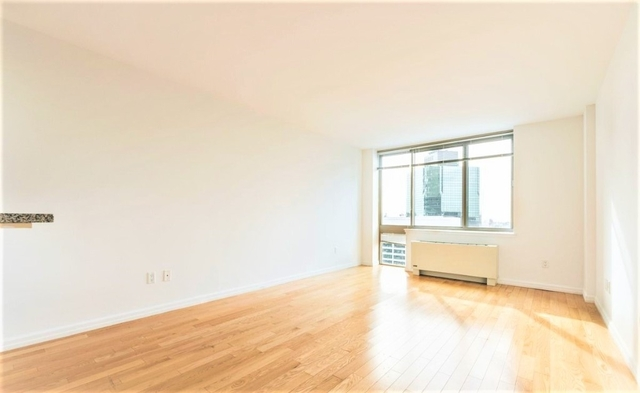 2 Bedrooms, Financial District Rental in NYC for $5,749 - Photo 2
