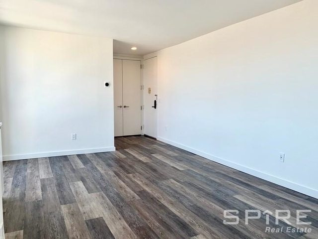 Studio, Hell's Kitchen Rental in NYC for $3,195 - Photo 1