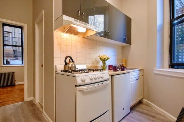 1 Bedroom, East Village Rental in NYC for $2,775 - Photo 1