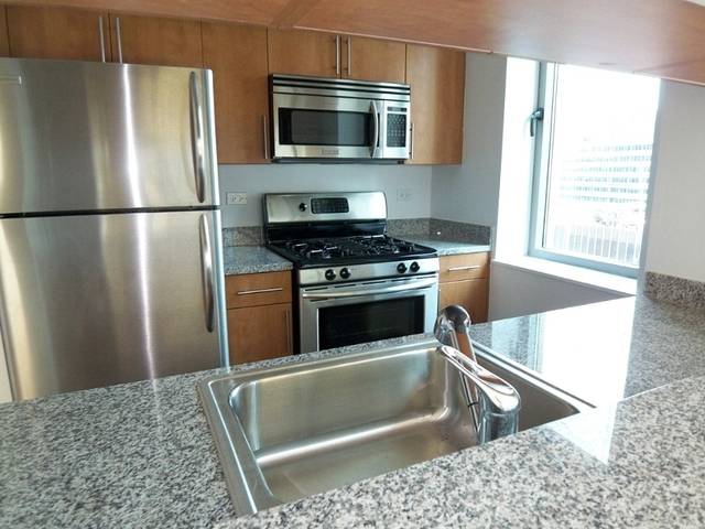 3 Bedrooms, Financial District Rental in NYC for $8,000 - Photo 2