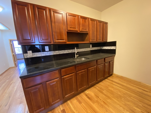 4 Bedrooms, Flatbush Rental in NYC for $3,000 - Photo 2