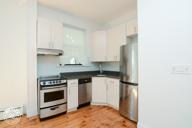 1 Bedroom, South Slope Rental in NYC for $2,799 - Photo 1