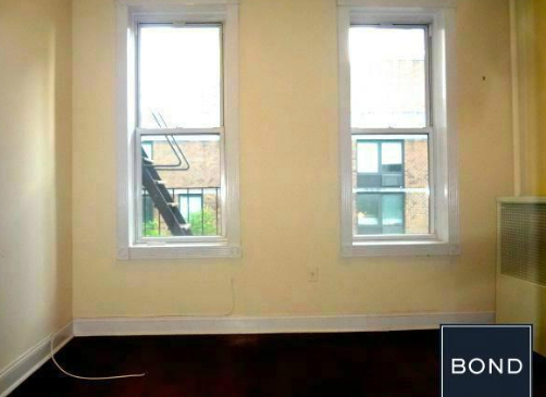2 Bedrooms, Hell's Kitchen Rental in NYC for $2,850 - Photo 2