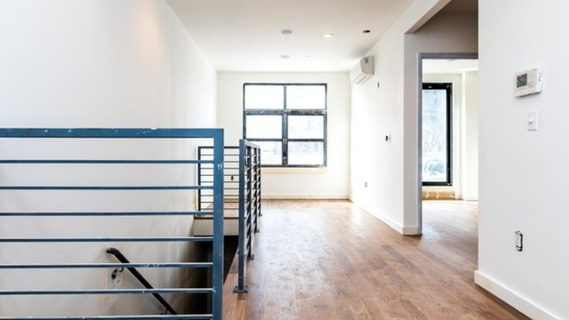 2 Bedrooms, Greenpoint Rental in NYC for $3,750 - Photo 1