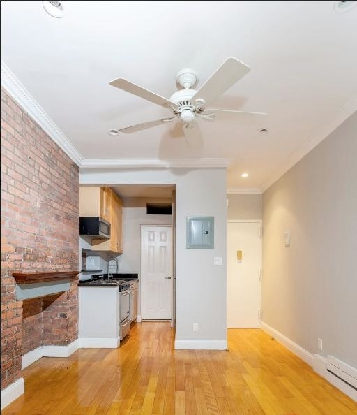 4 Bedrooms, East Village Rental in NYC for $6,456 - Photo 1