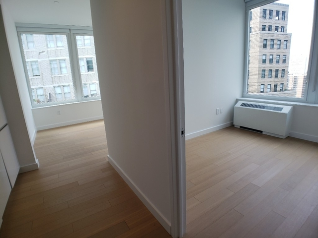 3 Bedrooms, Financial District Rental in NYC for $6,943 - Photo 2