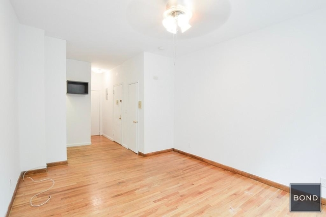 Studio, Hell's Kitchen Rental in NYC for $1,936 - Photo 2