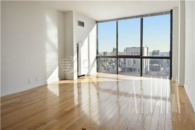 4 Bedrooms, Sutton Place Rental in NYC for $7,195 - Photo 1