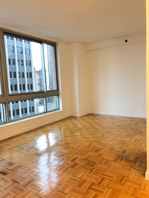 1 Bedroom, Civic Center Rental in NYC for $4,095 - Photo 2