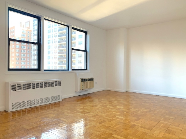 2 Bedrooms, Gramercy Park Rental in NYC for $5,995 - Photo 2
