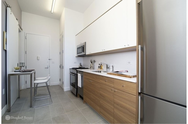 Studio, Long Island City Rental in NYC for $2,661 - Photo 2