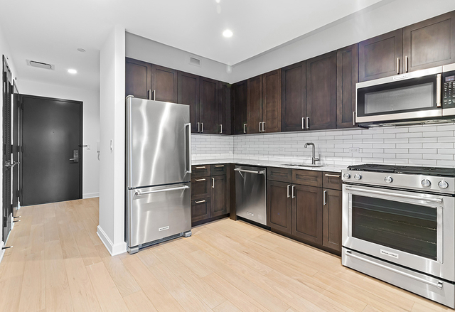 Studio, Lincoln Square Rental in NYC for $3,150 - Photo 2