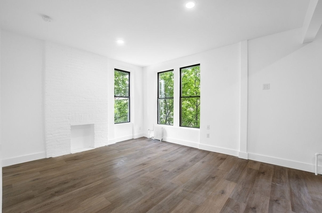 2 Bedrooms, Greenpoint Rental in NYC for $3,845 - Photo 1