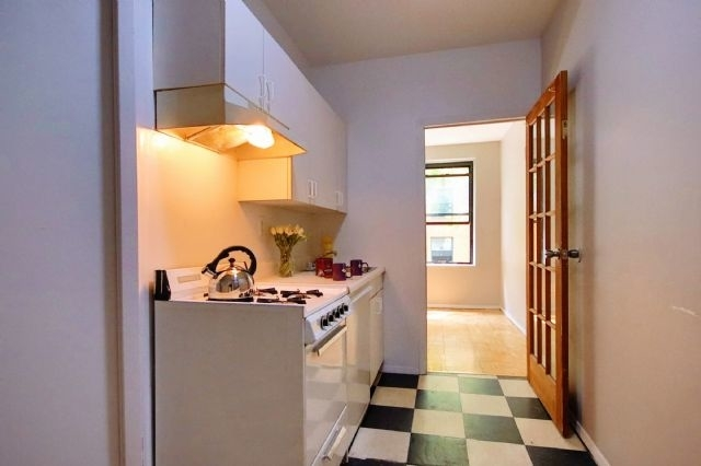 2 Bedrooms, East Village Rental in NYC for $2,515 - Photo 2