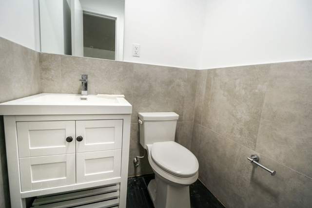 Room, Bushwick Rental in NYC for $1,025 - Photo 2