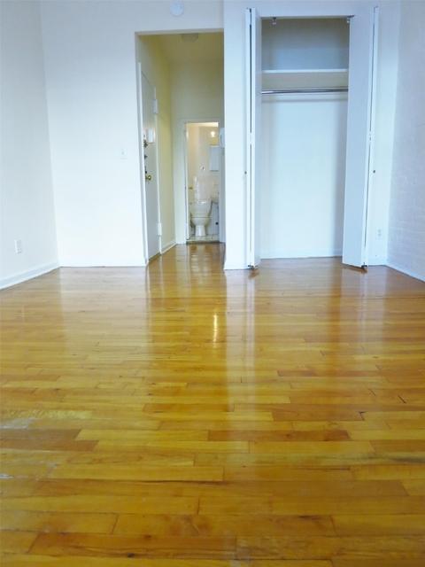 Studio, Yorkville Rental in NYC for $1,810 - Photo 1