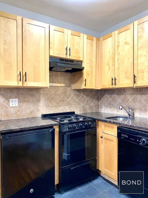 Studio, East Village Rental in NYC for $2,400 - Photo 2