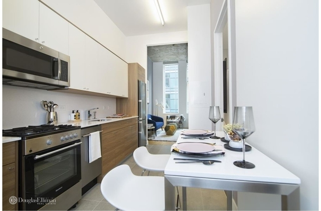Studio, Long Island City Rental in NYC for $2,638 - Photo 2