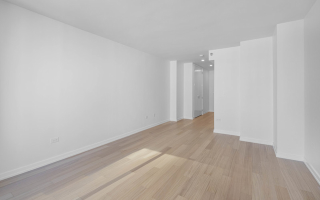 Studio, Lincoln Square Rental in NYC for $2,700 - Photo 2