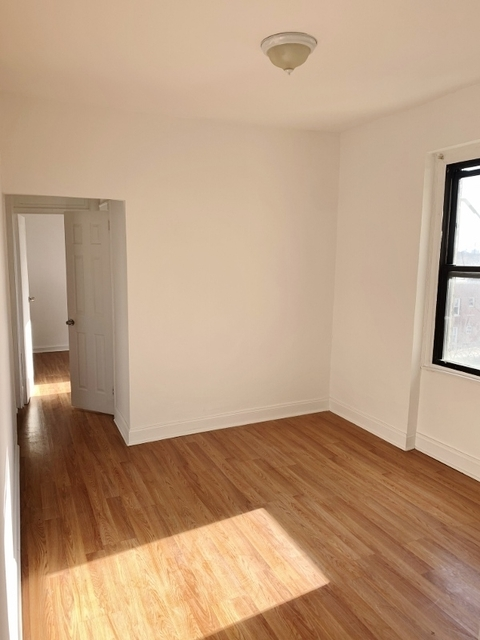 3 Bedrooms, Steinway Rental in NYC for $2,501 - Photo 1
