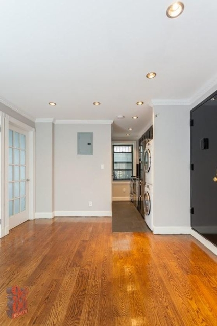 3 Bedrooms, Little Italy Rental in NYC for $5,533 - Photo 2
