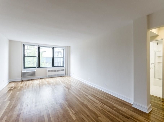 2 Bedrooms, West Village Rental in NYC for $5,250 - Photo 2