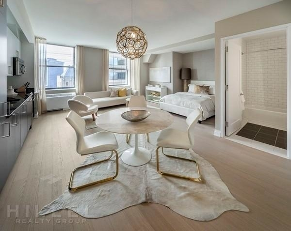 Studio, Financial District Rental in NYC for $3,395 - Photo 2