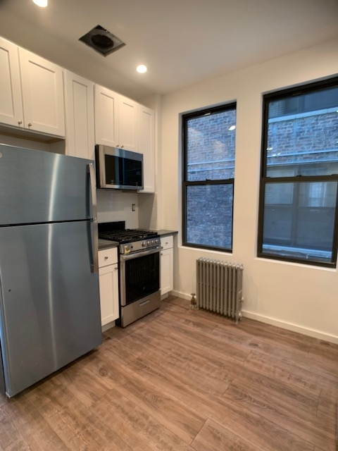 2 Bedrooms, Long Island City Rental in NYC for $2,300 - Photo 2