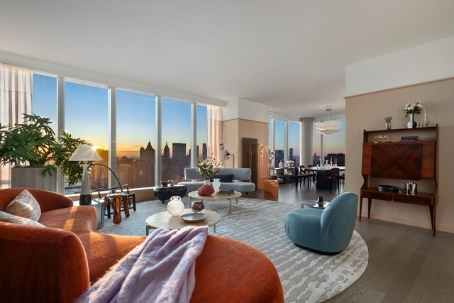 3 Bedrooms, Two Bridges Rental in NYC for $16,108 - Photo 2