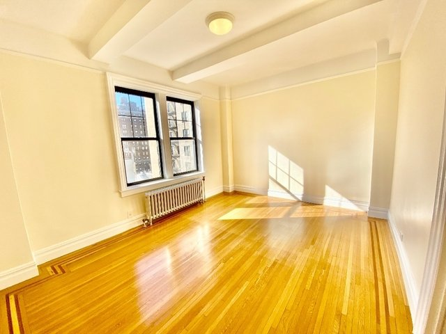 1 Bedroom, Carnegie Hill Rental in NYC for $4,000 - Photo 2
