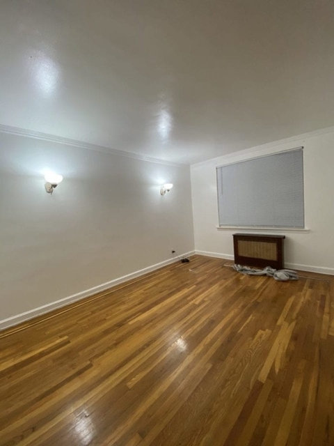 4 Bedrooms, Astoria Rental in NYC for $3,700 - Photo 1