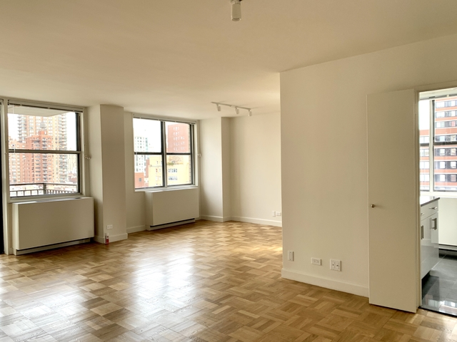 1 Bedroom, Upper East Side Rental in NYC for $5,495 - Photo 2