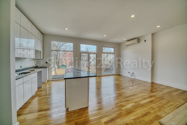2 Bedrooms, Steinway Rental in NYC for $3,500 - Photo 2