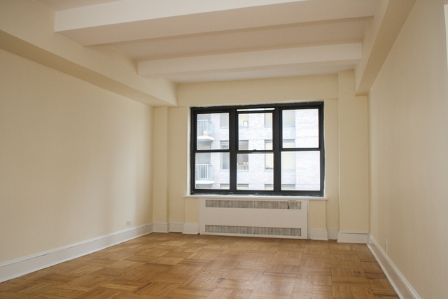 2 Bedrooms, Midtown East Rental in NYC for $4,650 - Photo 2