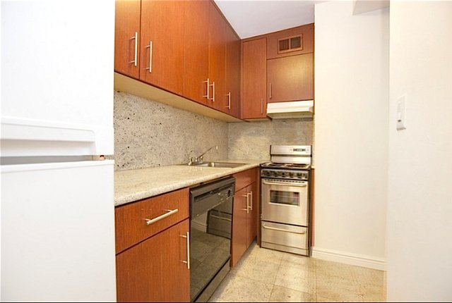 2 Bedrooms, Midtown East Rental in NYC for $5,550 - Photo 1