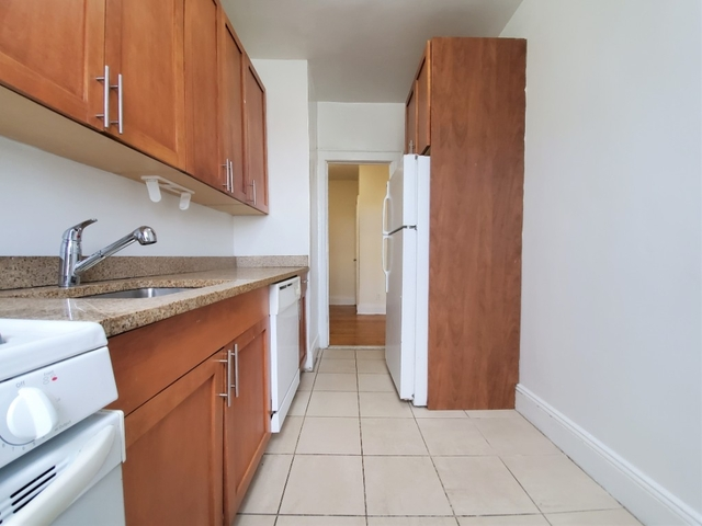 1 Bedroom, Woodhaven Rental in NYC for $1,850 - Photo 2