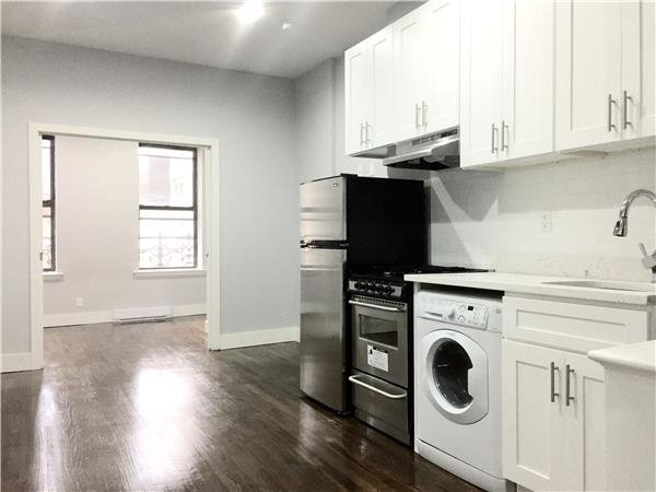 2 Bedrooms, Hell's Kitchen Rental in NYC for $3,375 - Photo 2