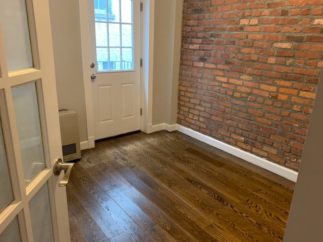 4 Bedrooms, East Village Rental in NYC for $6,230 - Photo 2
