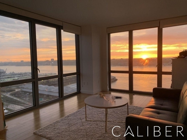 2 Bedrooms, Hell's Kitchen Rental in NYC for $4,960 - Photo 1