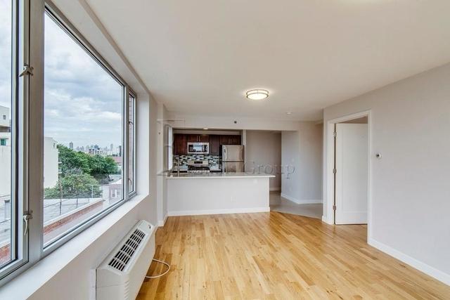 1 Bedroom, Astoria Rental in NYC for $2,549 - Photo 1